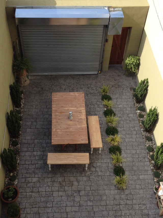private courtyard / off-street parking